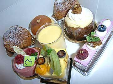 yoroiduka_cakes.jpg